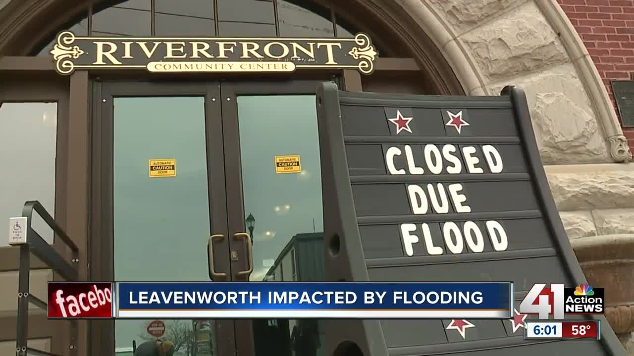 As flood waters seep into Leavenworth, city shores up barriers