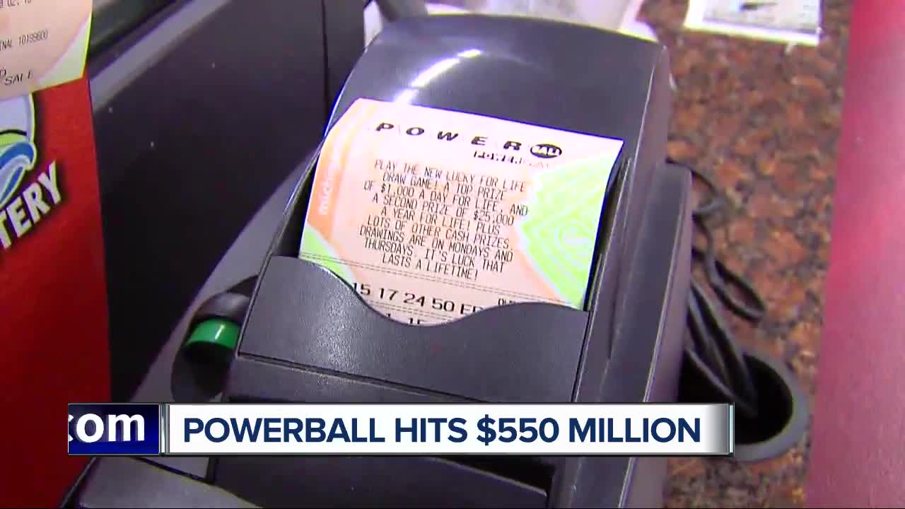 Powerball jackpot climbs to $550 million ahead of Wednesday