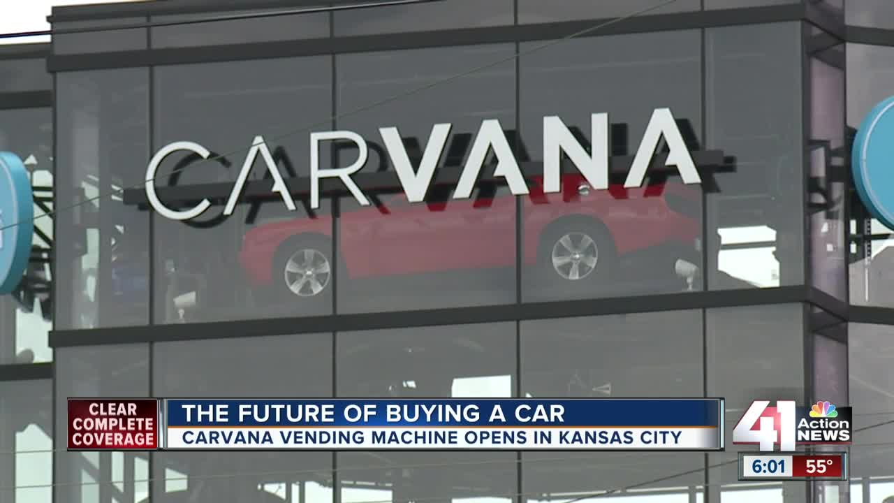 Carvana vehicle vending machine opens in Kansas City