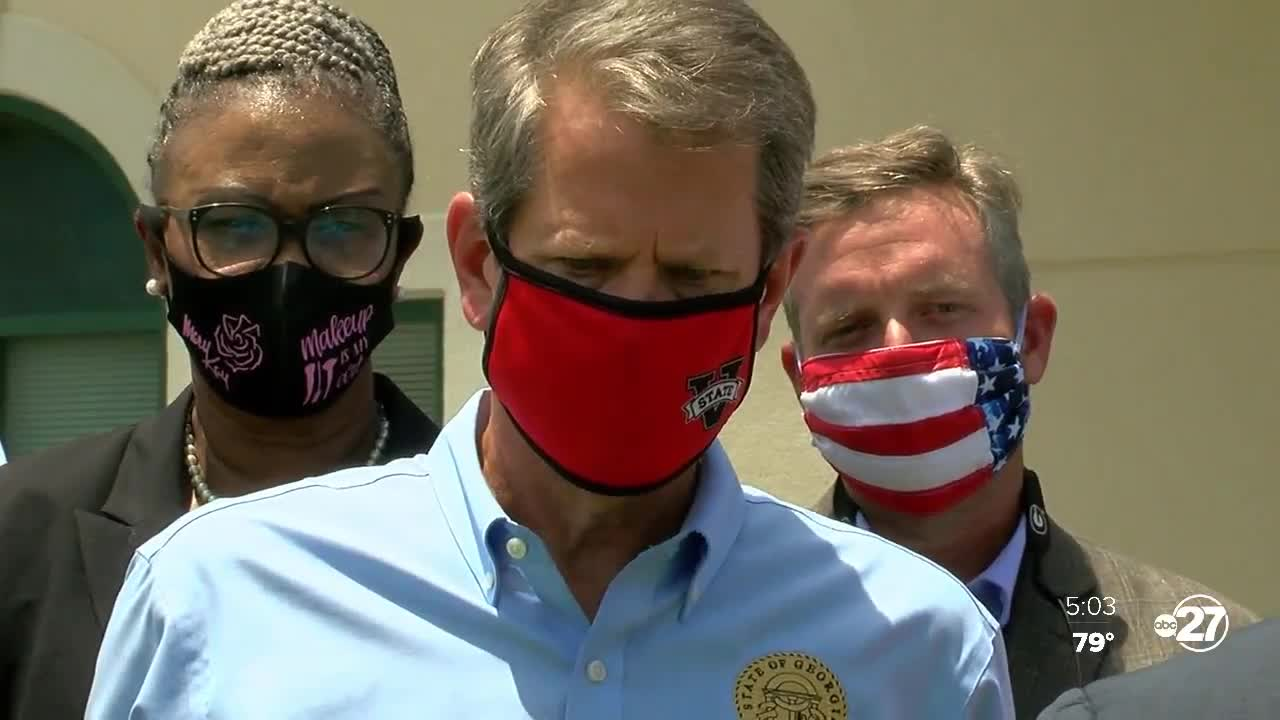 Gov. Brian Kemp tours Valdosta, encourages people to use face masks