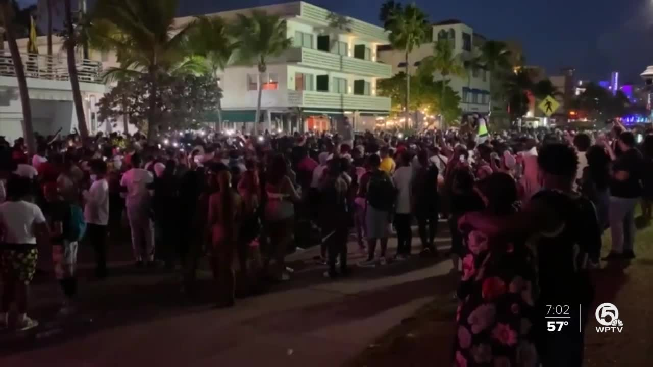Curfew is imposed on Miami Beach due to tourist congestion