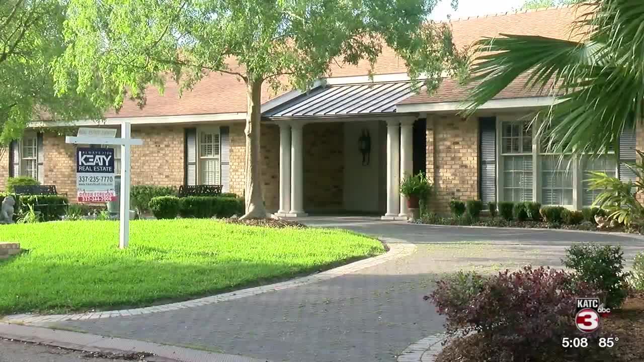 Mortgage rates dip below 3%, homebuilders climb
