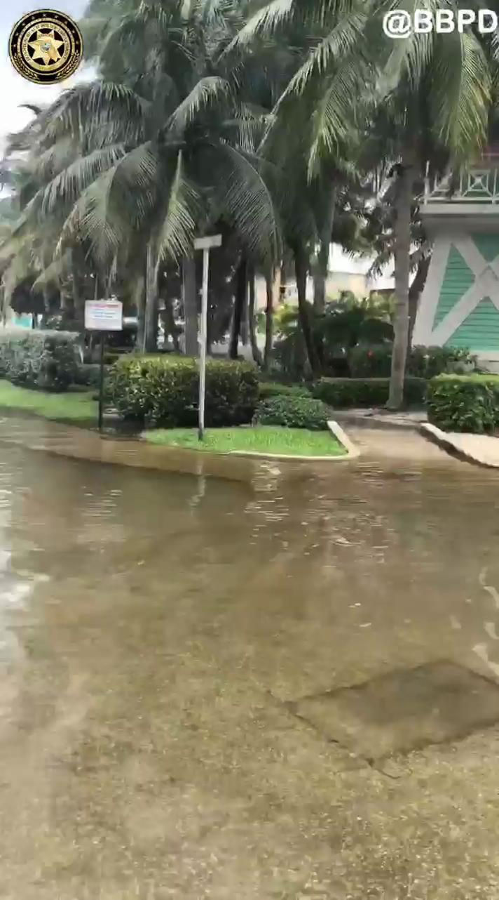 VIDEO: algunas inundaciones en zonas locales.