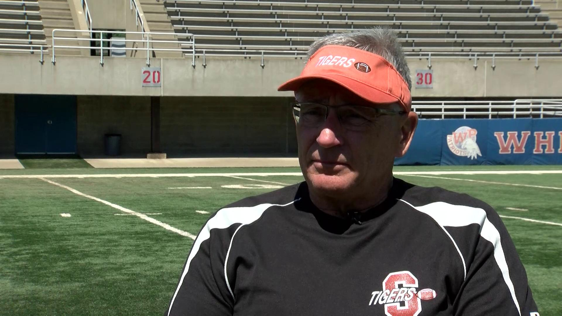 Coach Mark Holenka