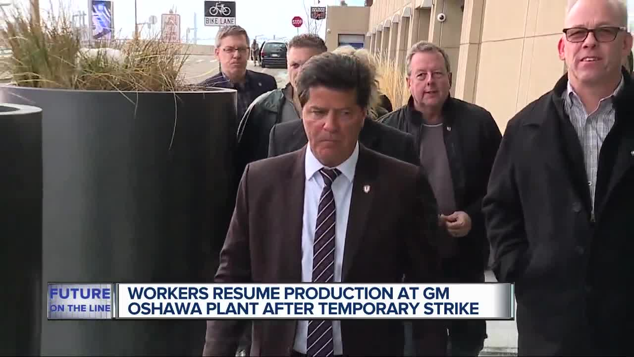Workers at GM Oshawa plant halt production