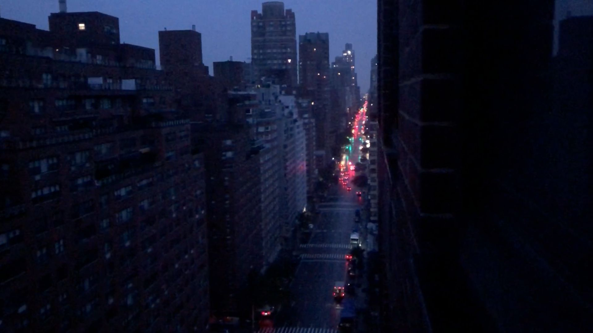 Power outages hit parts of Manhattan