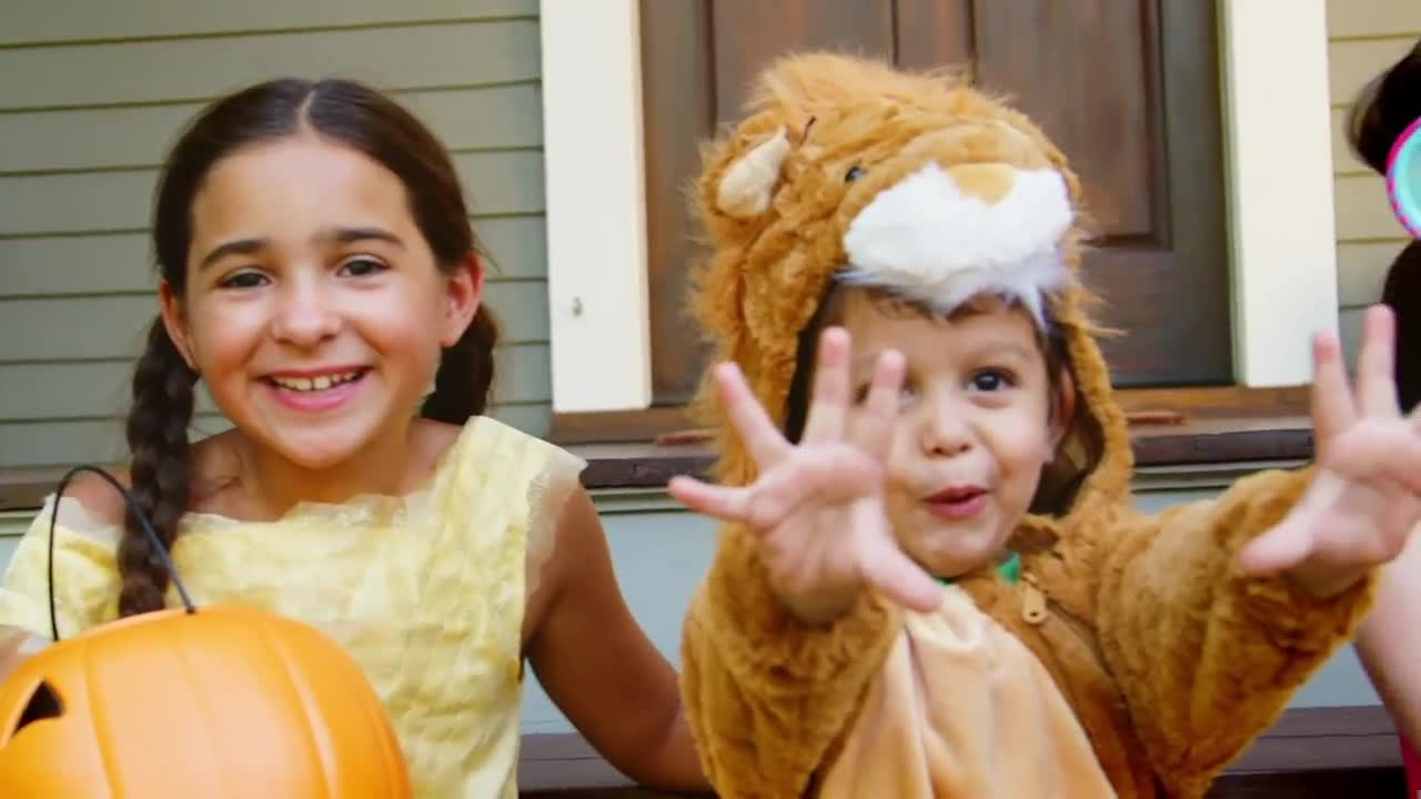 Village of Oswego announces extended trick-or-treating hours, urges safety