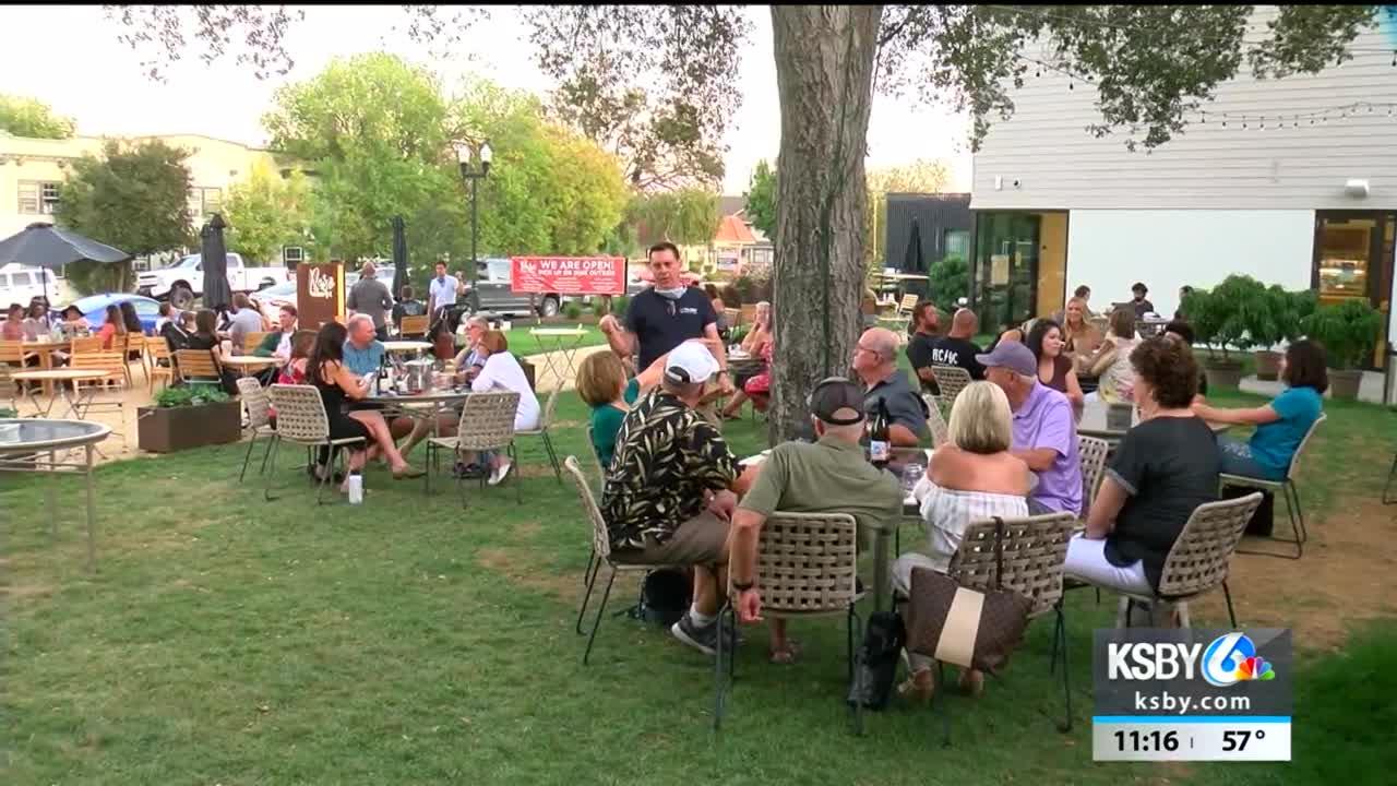 Paso Market Walk celebrates Industry Night