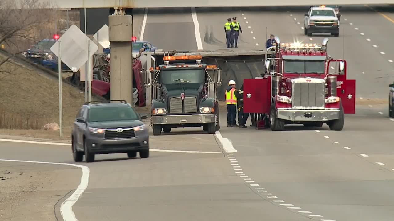 Southbound M-10 back open at Telegraph after deadly crash this morning