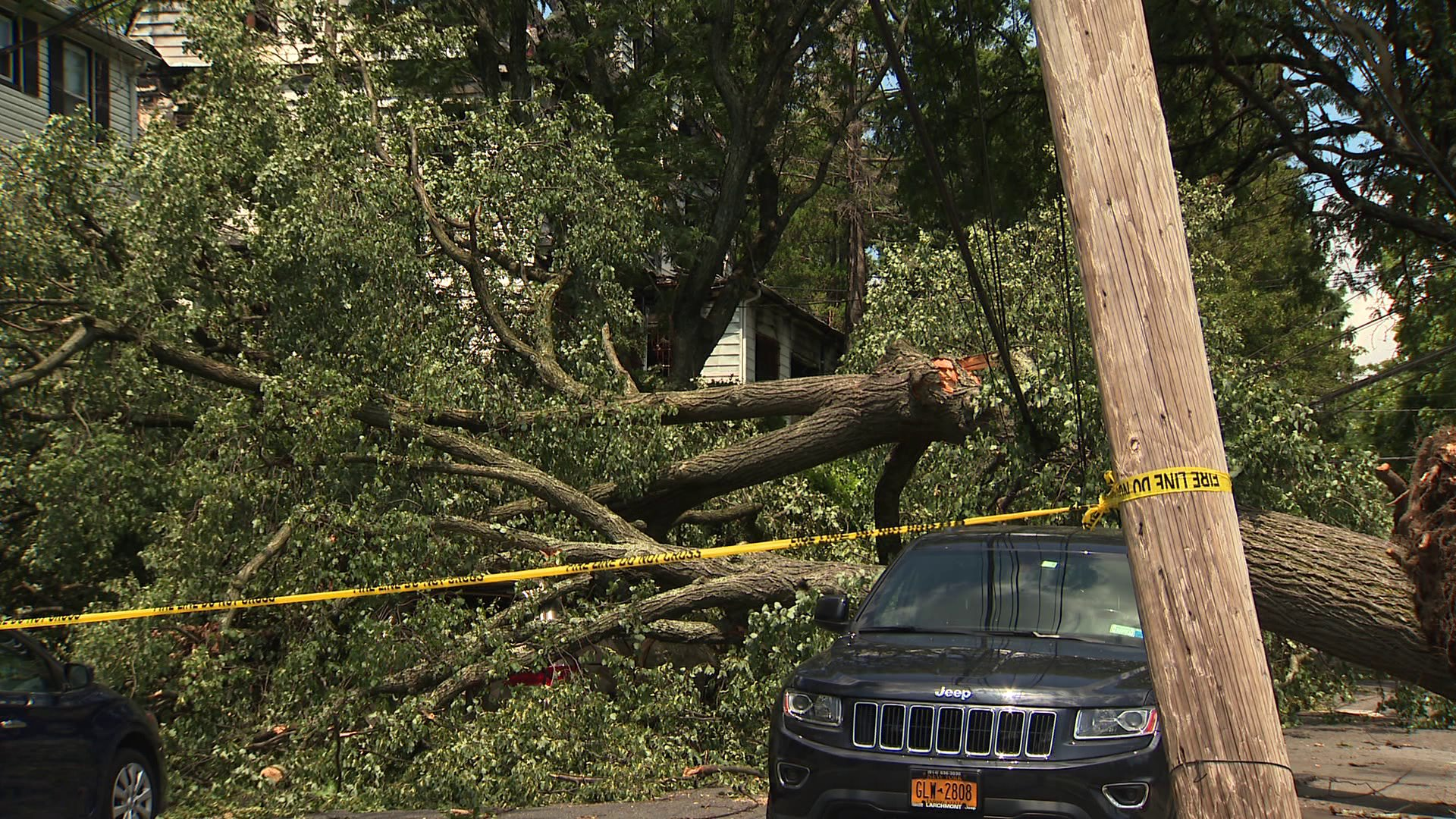 Westchester cleanup underway as many are still without power