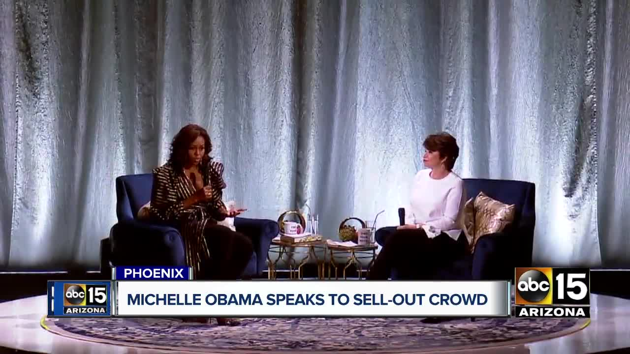 Read Michelle Obama's Hilarious Text Exchange With Her Mom