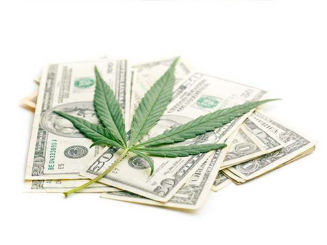 U.S. House passes bill giving pot businesses access to banking