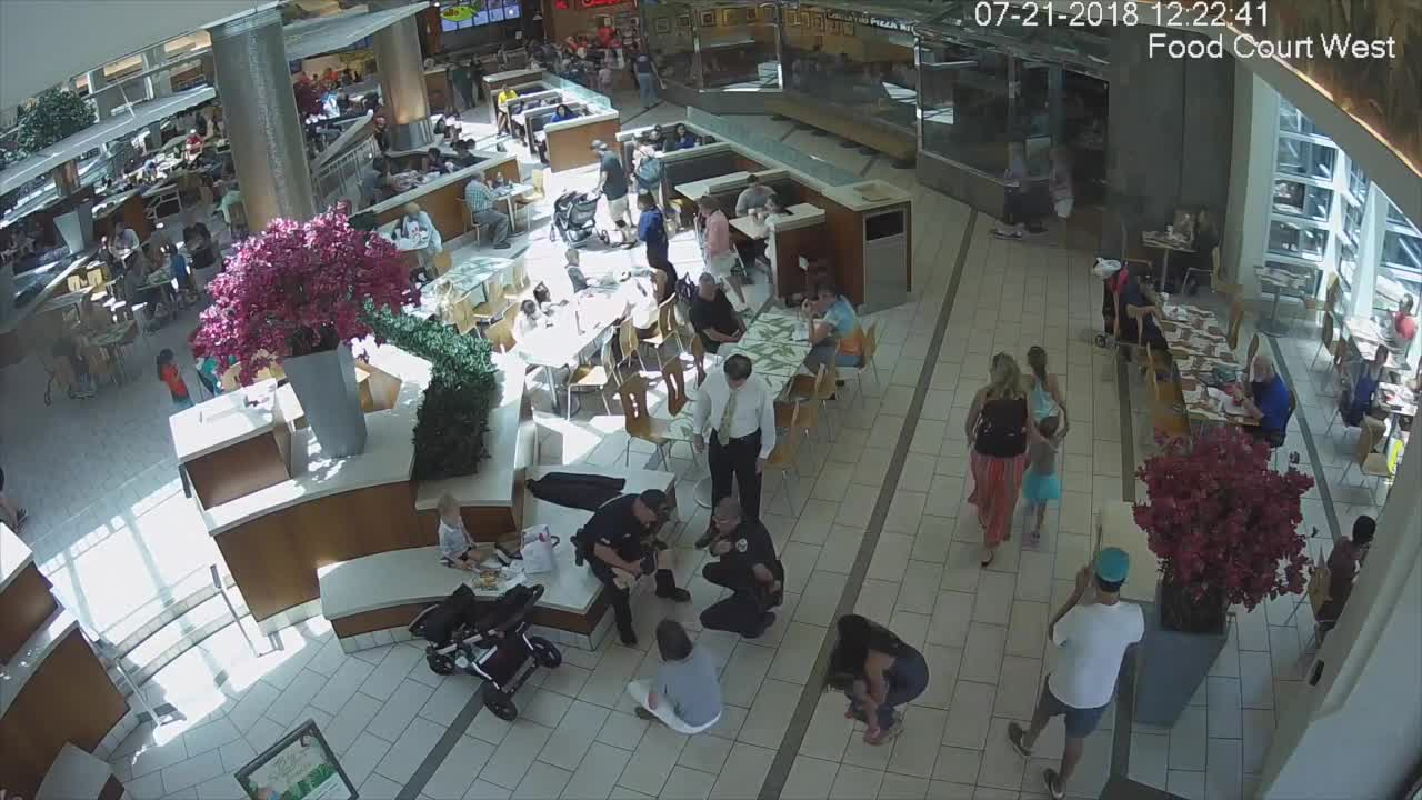 Florida police officers save choking baby - Palm beach gardens mall shooting ...