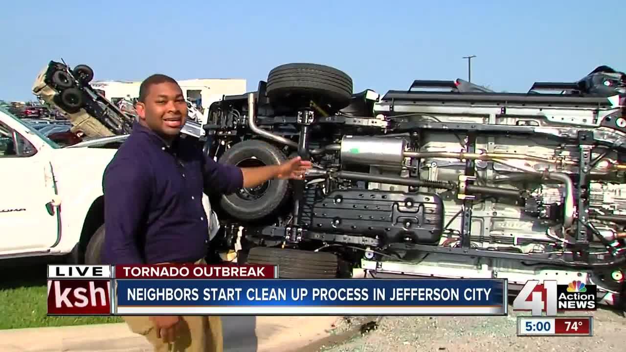 Chevy Dealer Jefferson City Mo >> Jefferson City Tornado Sends Cars At Chevrolet Toyota