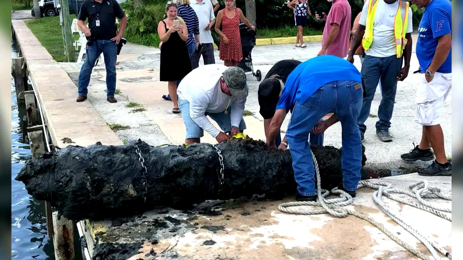 Cañón de 303 años de edad fue sacado de las aguas de Ft Pierce.