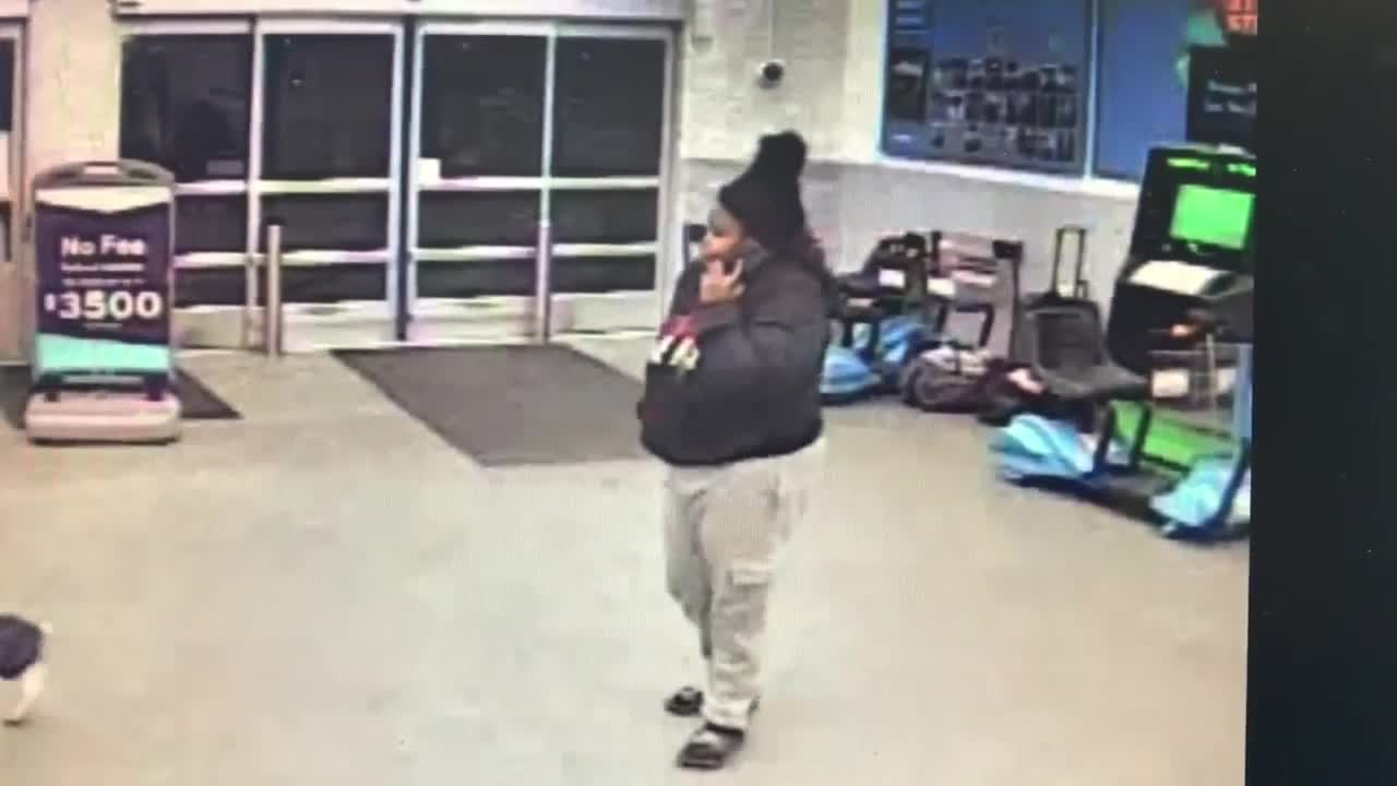 Couple caught on camera stealing more than 300 ink cartridges from