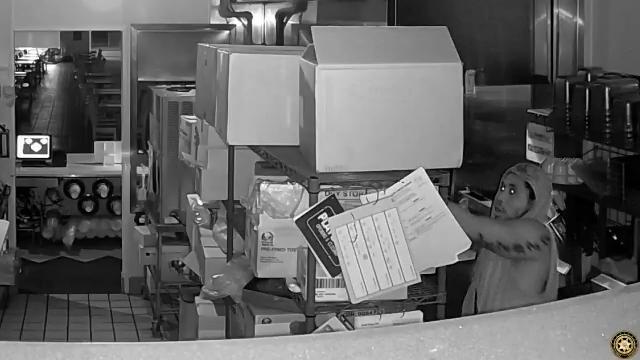 Se busca un ladron de un restaurante, Taco Bell en Boynton Beach.
