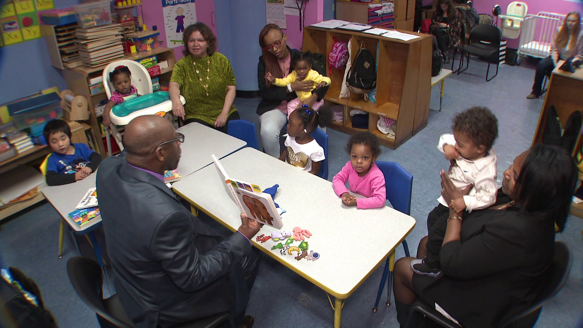 Bronx librarian hopes to change lives and literacy rate by reading ...