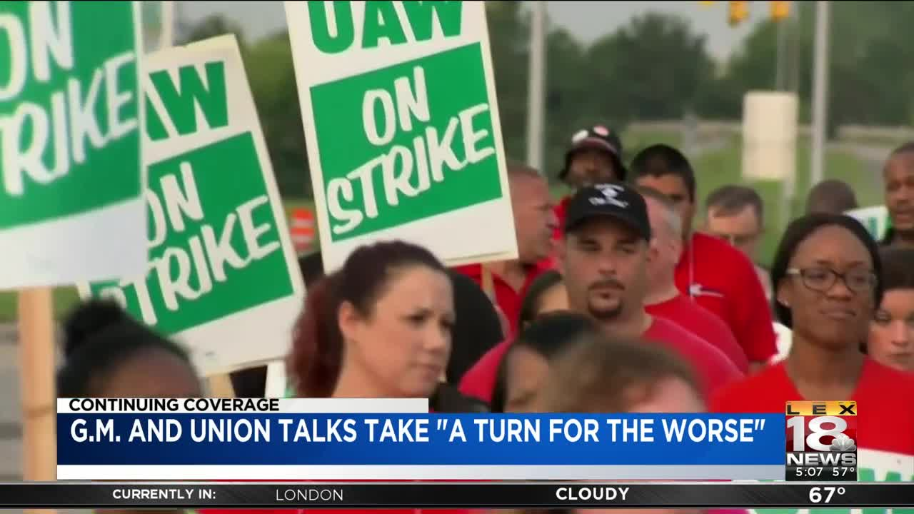Talks between GM, UAW labor union stall