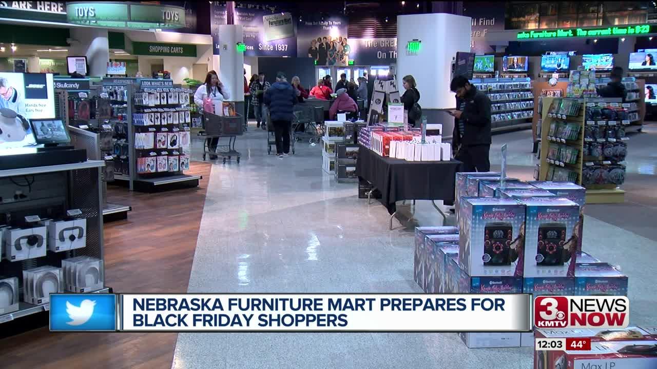 Nebraska Furniture Mart prepares for Black Friday shoppers, opens