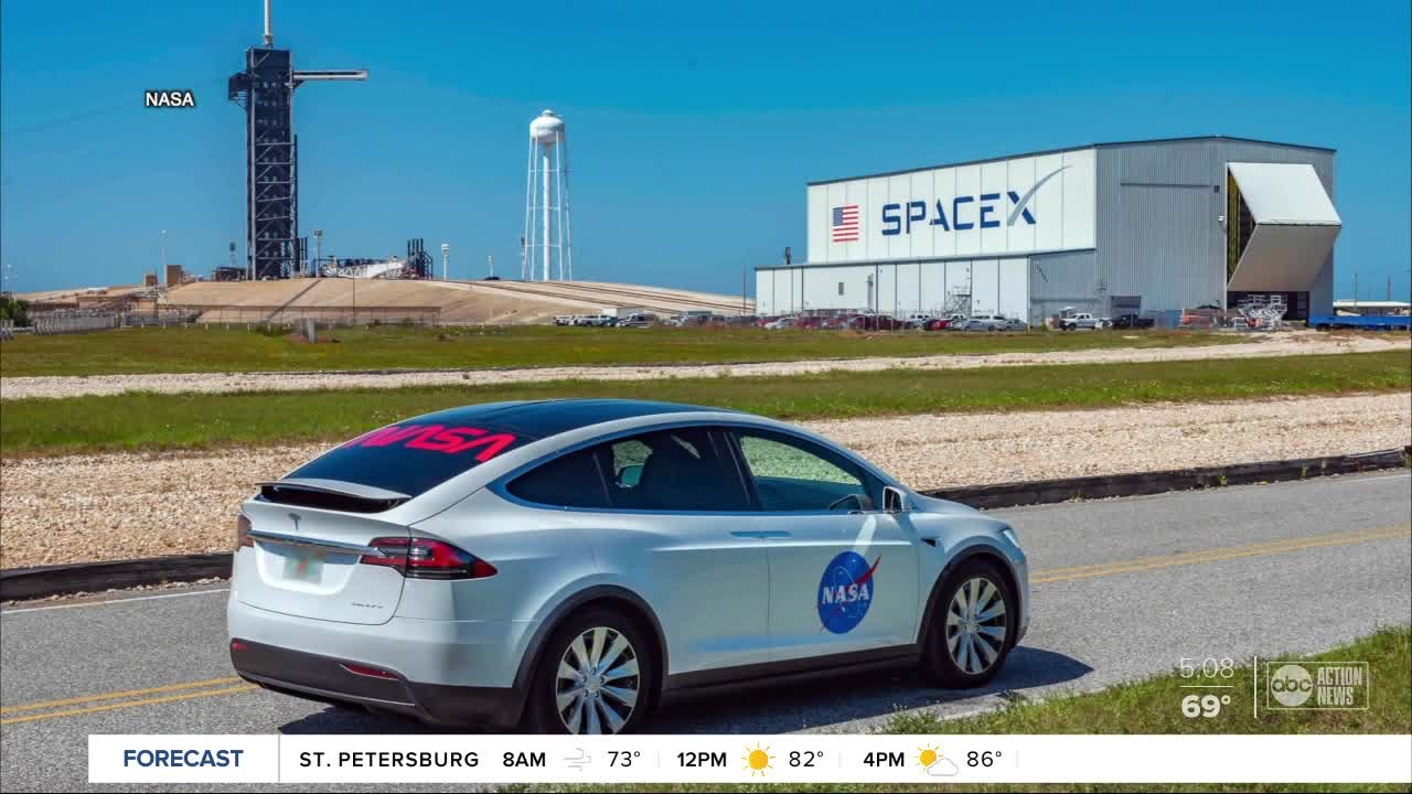 Model X to Carry Astronauts to Launchpad for 'Demo-2' Mission