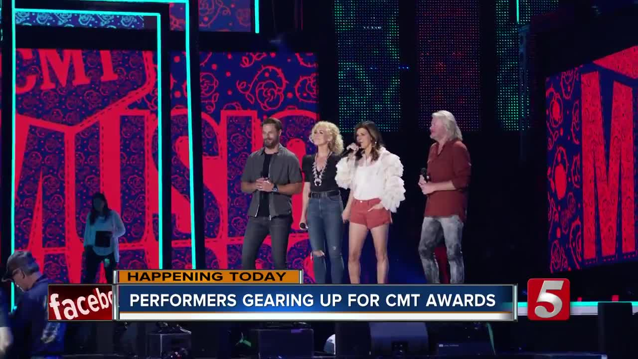 Carrie Underwood big victor at CMT Music Awards