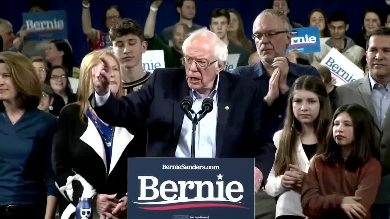 Man waves swastika flag at Bernie Sanders rally in Phoenix