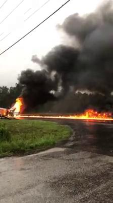 Fire erupts after tractor trailer, vehicles collide on Hwy 87 near Orange/Newton Co. line