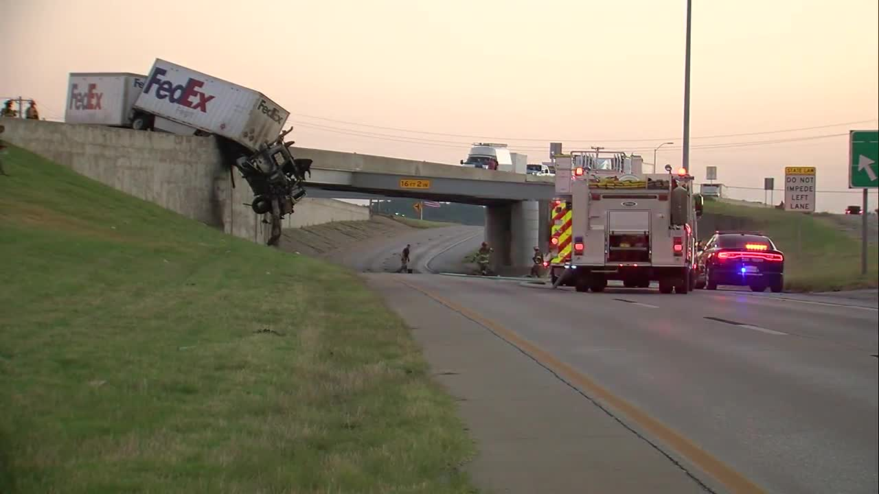 I-44 eastbound lane remains closed after deadly head-on